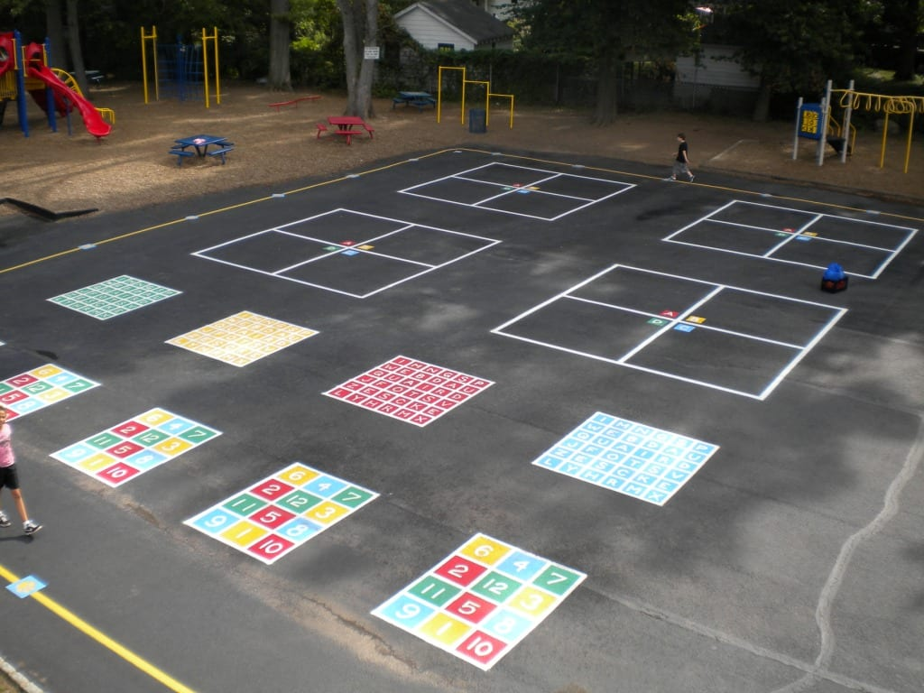Painting playground markings for Painting games com